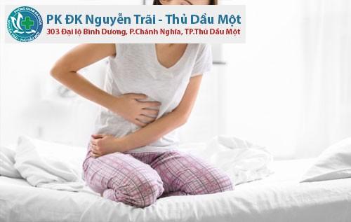 Viêm phụ khoa gây đau bụng không