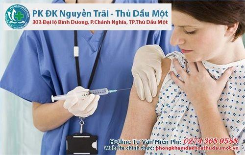 Những loại vắc xin cần tiêm chủng trước khi quyết định mang thai
