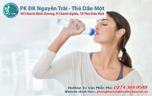 Uống nhiều nước trước khi ăn- Mẹo đơn giản giúp giảm cân hiệu quả