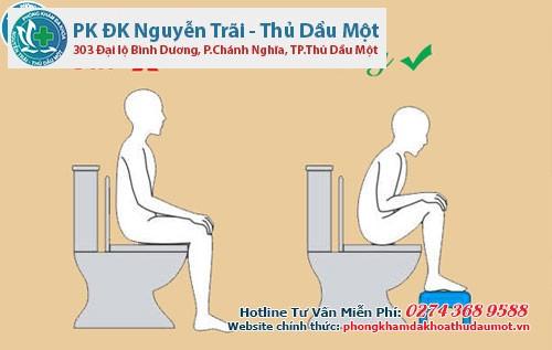 Đi vệ sinh đúng tư thế sẽ giúp việc đi đại tiện dễ dàng hơn